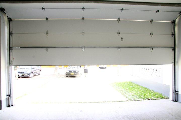 Puertas de garaje lima per - Mantenimiento puertas de garaje ...